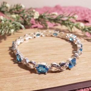Jewelry - 🌸 Elegant Silver Blue Topaz Crystal Bracelet